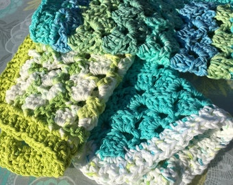 3 pack washcloths, blue, green and white