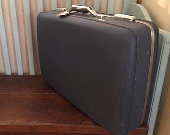 "24"" American Tourister Tiara Blue 1960s Blue Suitcase / Luggage"