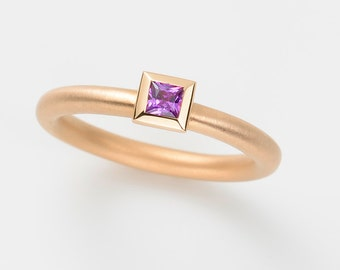 AMETHYST purple cocktail ring, 18 kt pink GOLD princess cut / engagement ring / wedding ring