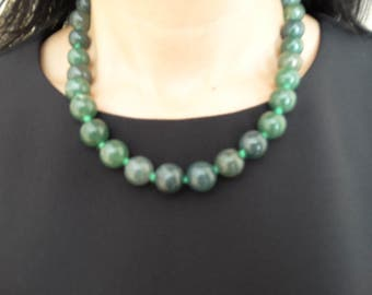 necklace with jade  ожерелье с нефритом