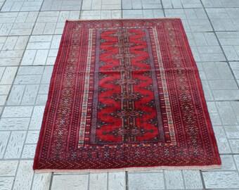 Tribal small rug. Vintage carpet. Turkish carpet. Turkish small rug. Free shipping. 4.9 x 3.6 feet.