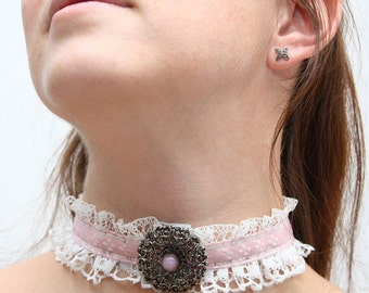 Sugar ruffle collar