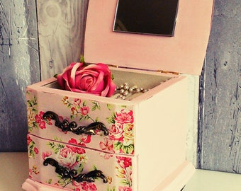 Vintage jewelry box, upcycled jewelry box, trinket box, shabby jewelry box, jewelry box, jewellery drawers, vintage ring box