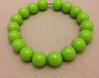 Vintage Bright Green Plastic Bead Bracelet
