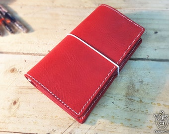 "Apple Pig Leather""Apple Pig"" Traveler's Notebook"