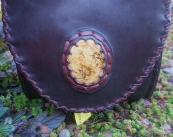 Handmade Leather Marsupio with Jasper stone. Marsupio in pelle fatto a mano con pietra Diaspro