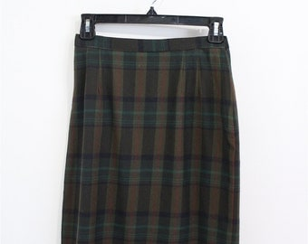 Vintage Clothing • 1960's Pencil Skirt • Wool Mid-Length Pleated Skirt • Highland Queen • Forrest Green Plaid • Made in Canada