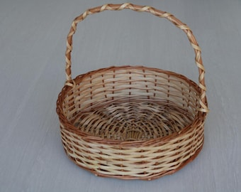 Wicker Basket, fruit basket, handwoven gathering basket, farmhouse decor, country decor basket, Home Decor.