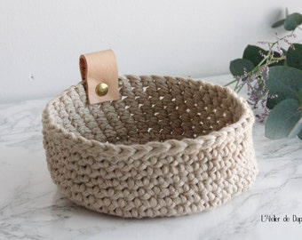 Crochet basket and leather, beige