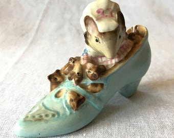 """Beatrix Potter Figurine """"The Old Woman Who Lived in a Shoe"""""""