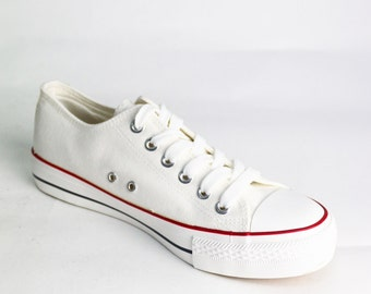 White canvas sneakers low model