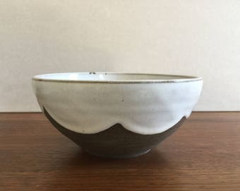 SERVING BOWL with White Scalloped Edge