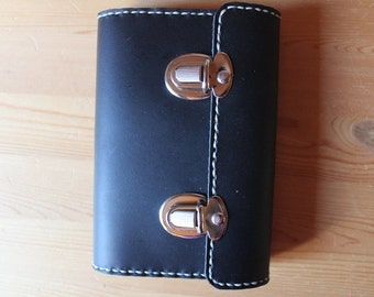 Schedule DIN A6 in hand-sewn Leather Sheath