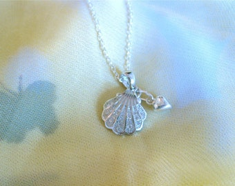 Camino de Santiago jewelry scallop shell necklace with heart
