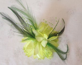 Green Feather Fascinator, Clip Pin hairbands, Ladies Day Race, Party Wedding, Royal Ascot,