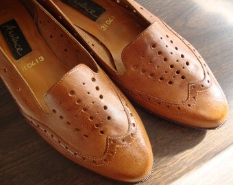 Vintage Spectator Flats Light Brown Leather // Size 8