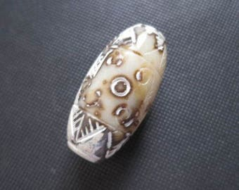 Chinese Hongshan Culture beads Amulet, 2000 years old.  Heavy, almost clear large bead.