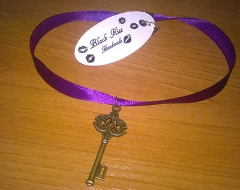 The key for your heart - purple choker