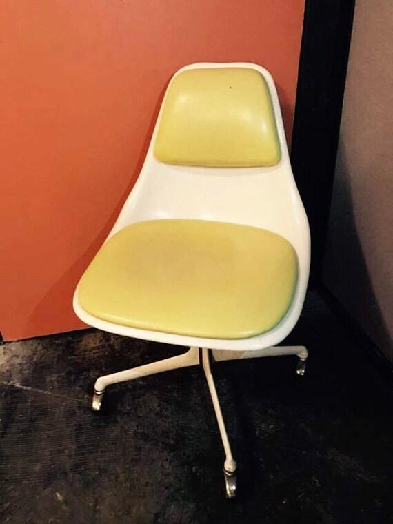 Burke Eero Saarinen chair