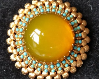 Unique Cadoro Brooch Goldtone with Turquoise and Gold stone