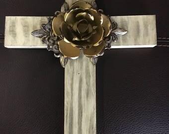Wood flowe cross