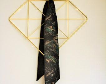 Headband Haby-headband to tie-print green and gold on black