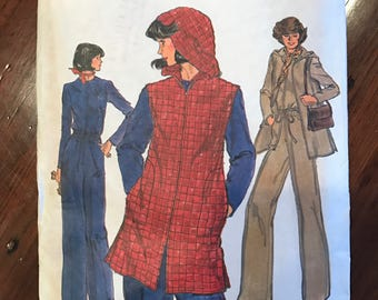 Vintage Very Easy Vogue Pattern 9388 - Jacket and jumpsuit - Size 10, Bust 32.5, Hip 34.5