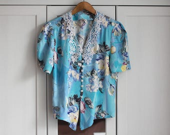 Vintage Blue Shirt Blouse Retro White Lace Ethereal Floral Elegant Women Top Collar Flowers Loose Short Sleeves Smart Look / Large size