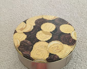 Vintage girl guides canada cookie tin