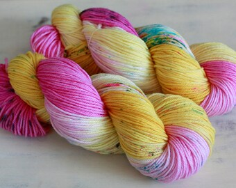 Hand Dyed Speckled Yarn sport weight Superwash Wool - HOLLOW BUNNY