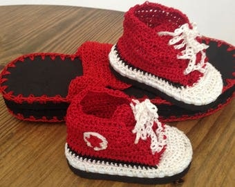 Baby crochet shoes with soft rubber sole