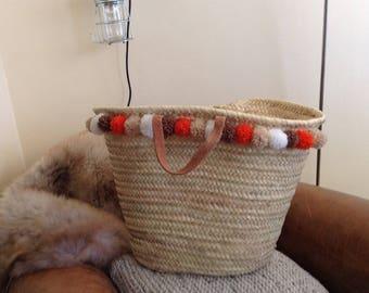 Basket pompons