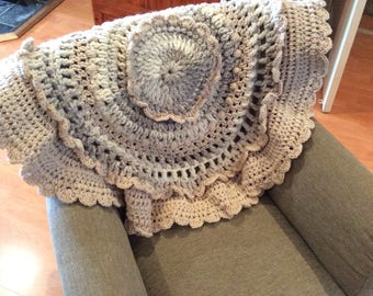Round freeform crochet throw