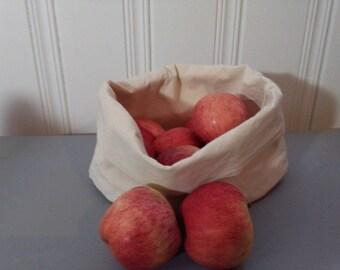 fruit basket / bread