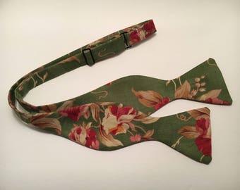 Green Floral Bow Tie (Self-Tie)