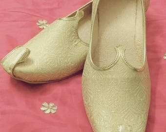 Royal look traditional indian handmade rajasthan jaipur men mojri / shoe