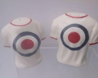 Mod target t shirt style salt and pepper set