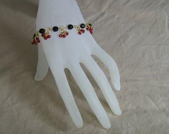 Black and Red Cluster Bracelet
