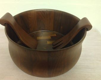 Diversified Industries Division Solid American Walnut salad bowl with the serving spoon and fork.  Vintage.