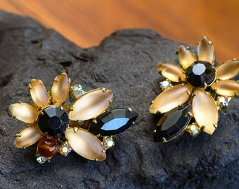 Beautiful Vintage Continental Flower Earrings