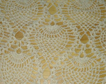 Entire lot of doilies & runners