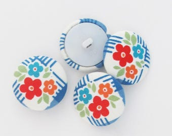 26mm Flower Buttons | Four 1 inch shank back covered buttons made from a floral print fabric.