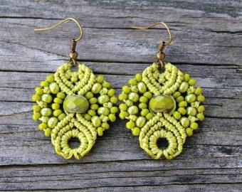 Micro-Macrame Earrings - Lime