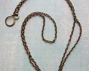 22 inch Antiqued Brass Plated Chain Necklace with Hammered Hook Clasp
