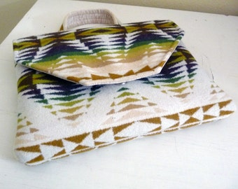 Cream Nature Tone Tribal Inspired Wool Padded Tablet Bag