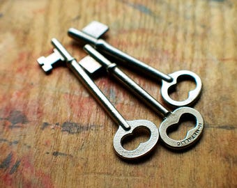 Antique Skeleton Keys  // New Year Sale - 15% OFF - Coupon Code SAVE15