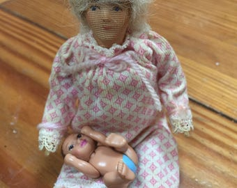 6 inch vintage doll house mother and child figurines