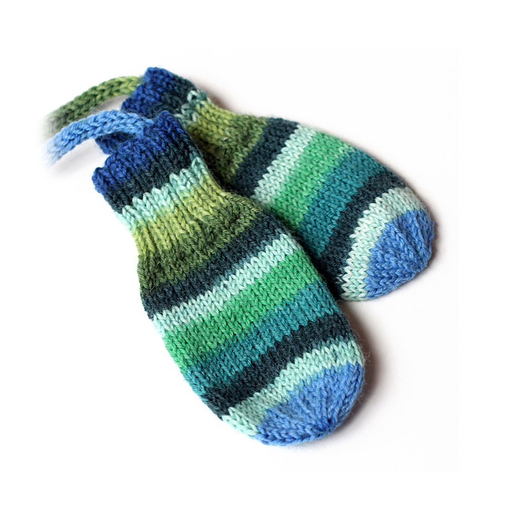Knitting Pattern For Thumbless Mittens : Baby Thumbless Mittens On a String. No Thumb Hand Knit Wool