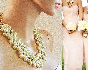 Bridesmaid Pearl Necklace, Wedding Necklace Pearl, Bridal Necklace, Pearl Necklace, Bridal Jewelry Chunky Statement Wedding Necklace Bib