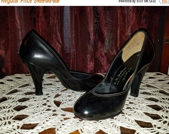 SALE Vintage NOS 1950's Black Leather Baby Doll Pumps 4 Inch Heels Size 6 1/2, VERY Narrow